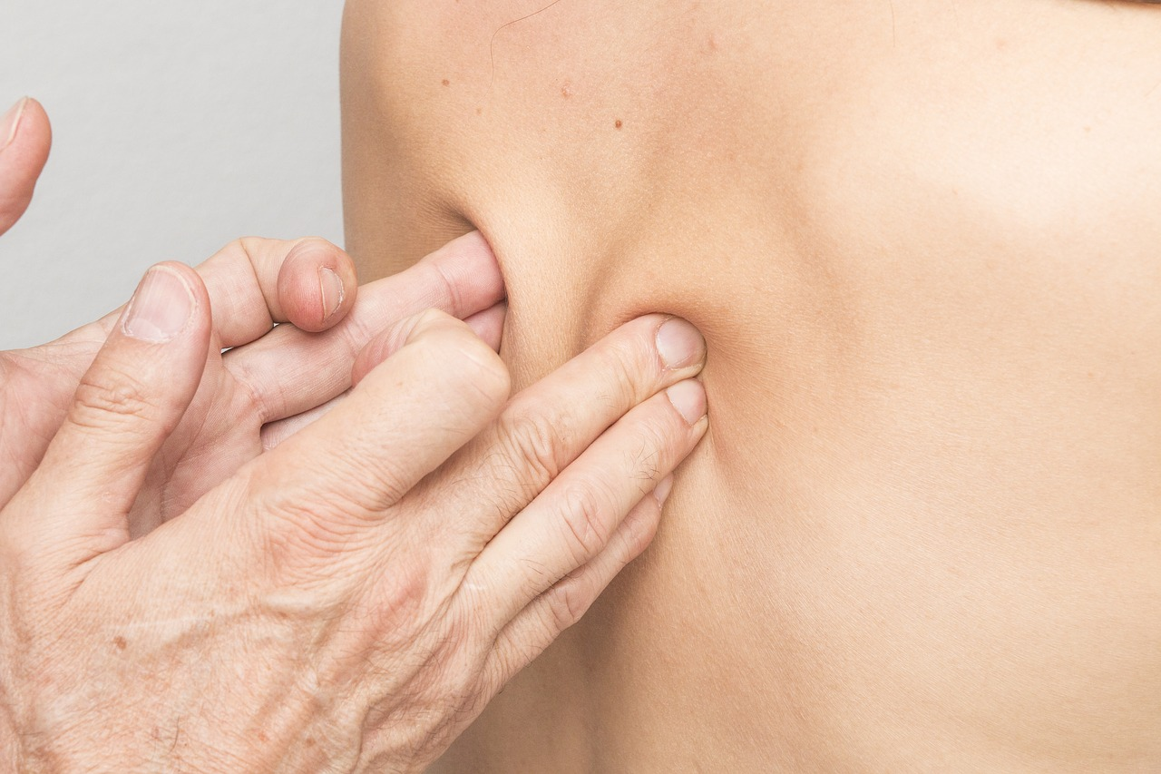 massage, back, therapies-2441741.jpg